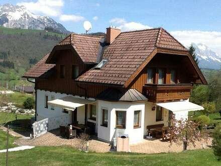 Großzügiges Wohnhaus mit Vermietungsmöglichkeit
