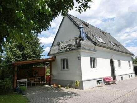 Kalsdorf bei Graz, gepflegtes 2 Familienwohnhaus + Gästehaus, Garage, 2 Carportplätze