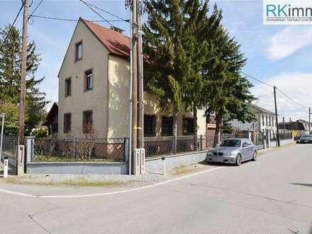 Gerasdorf - Kapellerfeld Gepflegtes Ein - Zweifamilienhaus mit Keller absolute Ruhelage