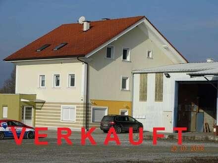 V E R K A U F T - Büro-/Geschäftshaus mit Halle und Wohnungen