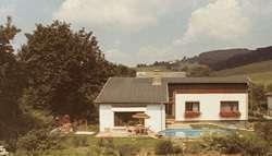 Großzügiges Haus mit Garten und Pool in Breitenfurt