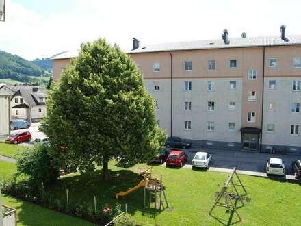 Klare Luft, Berge, Seen, Natur, Ruhe gepaart mit urbanem Wohnen im malerischen Kirchdorf! Die Urlaubsregion Pyhrn-Priel lädt…