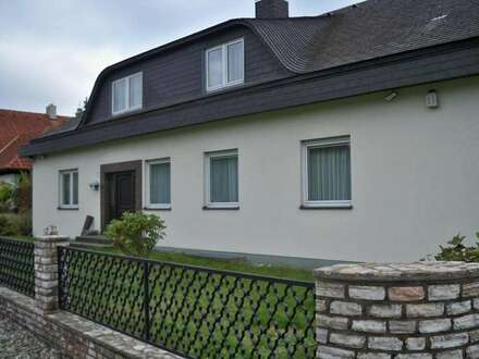 Traumjaft, schönes Haus in herrlicher Lage auch für 2 Familien geeignet oder Anleger!