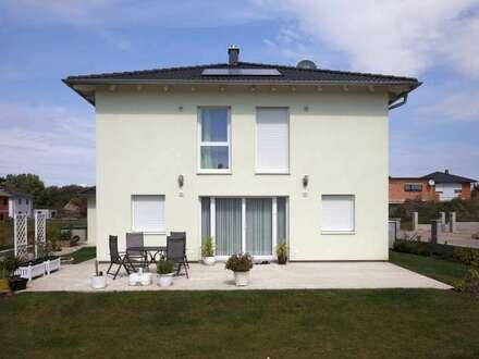 € 1200,- mtl.-* Town&Country ziegelmassiv Haus, Stadtvilla 126 in Altmünster