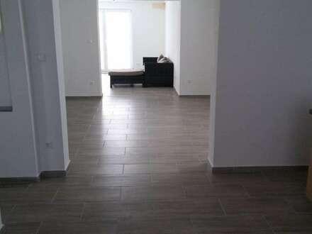 Lichtdurchflutete Wohnung in ruhiger Lage zu vermieten