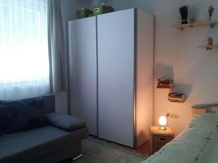 Möblierte Wohnung (38 m²) mit idealer Raumaufteilung und generalsaniertem Bad AB SOFORT in LEOBEN-Stadt zu vermieten