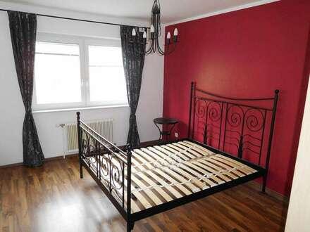 Geschmackvolle 4 Zimmerwohnung mit Loggia u. KZF-Abstellplatz