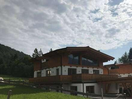 Tiroler Landhaus mitten im Grünen