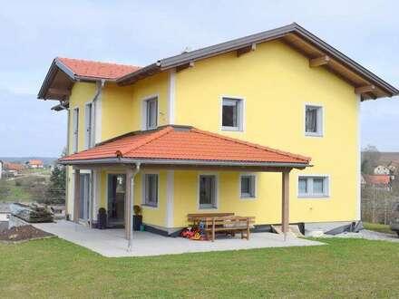 Provisionsfrei - sonnig gelegenes, großzügiges Wohnhaus