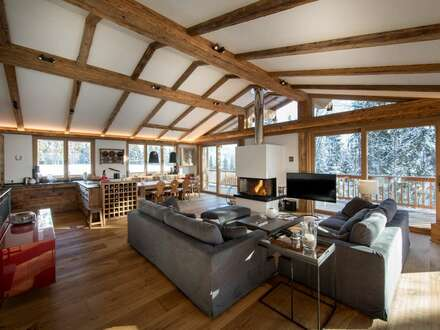Exklusive Tiroler Haushälfte mit beeindruckendem Kaiserblick