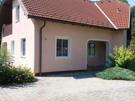 St. Pölten-Nähe: großzügiges möbliertes Einfamilienhaus mit Garten und Doppelgarage