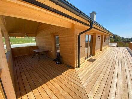 Bungalow in Massivholzbauweise mit großzügiger Sonnenterrasse und unverbautem Bergblick in Trahütten