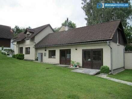 2095 Saniertes Landhaus mit Innenhof und großzügigen Nebenflächen