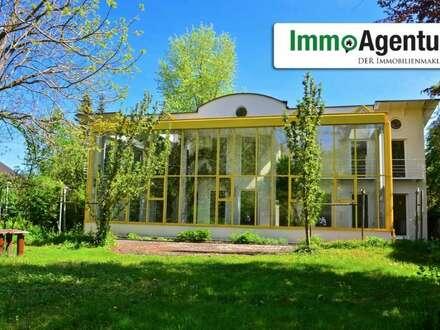 Einzigartige Architekten Villa mit großem Grundstück in Hohenems