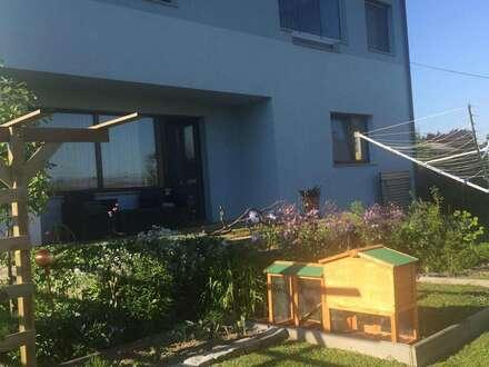 Zweifamilienhaus mit getrennten Wohneinheiten Keller + Dachboden Garage + Carport sowie Gartenhütte