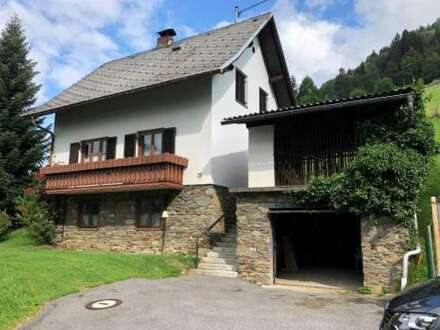 Wohnhaus mit Nebengebäuden für Kleintierhaltung geeignet