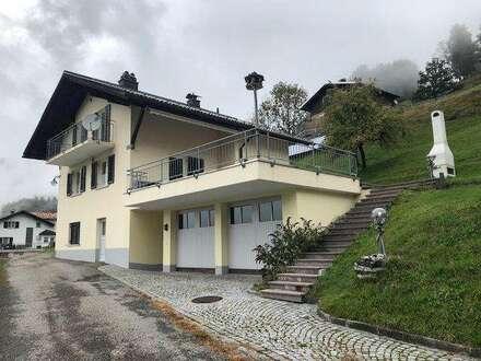wunderschön gelegenes Einfamilienhaus mit Doppelgarage und Terrasse