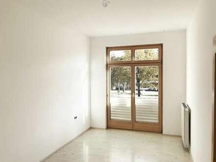 4 Zimmer Wohnung im Zentrum NEUE Küche, und Carports