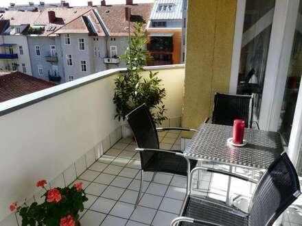 Moderne, gemütliche Wohnung mit großem Balkon