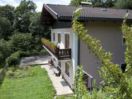 Möb. Haus mit 2 Wohnungen, grosse Terasse, Balkonen und wunderschönen Blick in Bruck an der Grossglocknerstrasse / Gries