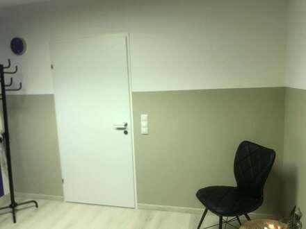 Nachmieter für neu renoviertes Büro-Praxis-Studio gesucht