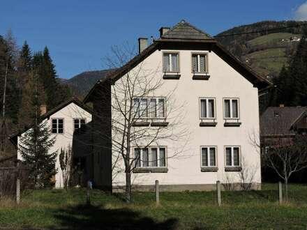 Sanierungsbedürftiges Wohnhaus mit 2 Baugrundstücken