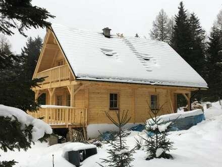 Neues Haus im Tannenwald