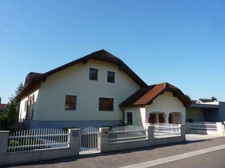 prime residential area - quiet, sunny, spacious, family villa - 20 Minutes to vienna