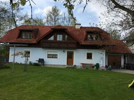 Wohnhaus am Bach