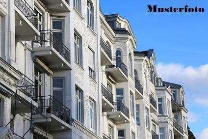 + 2-Zimmer-Wohnung mit teilüberdachter Terrasse +