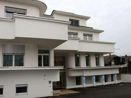 Neues Ärztezentrum im Zentrum Hainburgs! Grandiose DG-Ordination mit Terrasse und Blick über Hainburg!