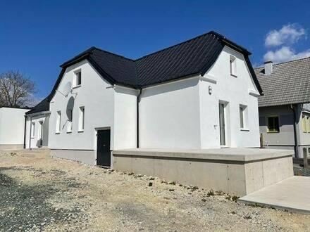 Helle Altbauwohnung komplett neu aufgebaut - Erstbezug