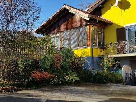 PROVISIONSFREI! Liebevoll modernisiertes Mehrfamilienhaus mit romantischem Wintergarten mitten in der Thermenregion Ste…