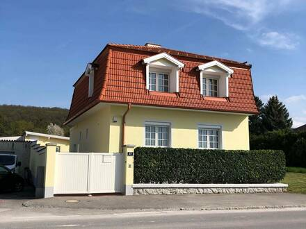Sonniges Einfamilienhaus mit großzügigem Grundstück