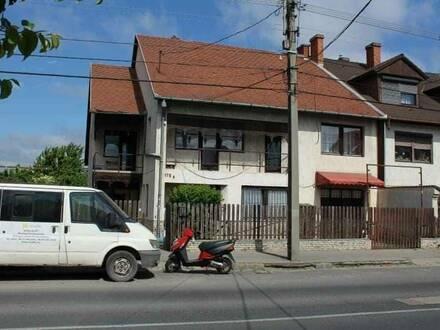 Großer Familienhaus in ungarisches Großstadt von Nickelsdorf 50 KM