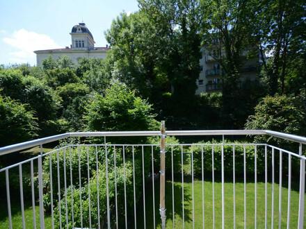 Charmante, sonnige zwei Zimmer Wohnung mit Grünblick - Nähe Lainzertiergarten