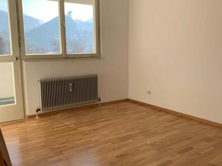 Sonnige 3-Zimmer-Wohnung mit Loggia mit AAP