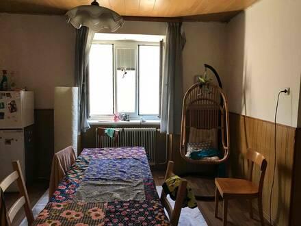 Wunderschönes gut in Schuss gehaltenes kleines Haus mit kleinem Garten.