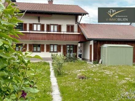 2 Wohnungen im großem Zweifamilienhaus mit Garten & Garage