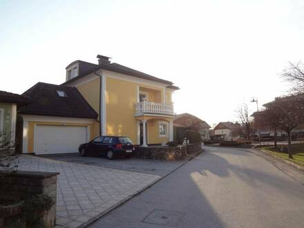 Edle sonnige Maisonnettewohnung in Toplage