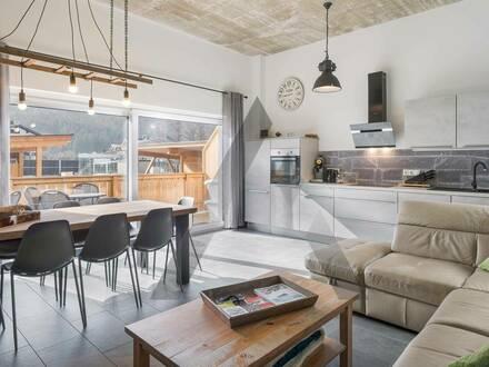 Neuwertige und möblierte Wohnung in zentraler Lage
