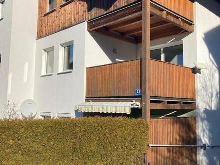 Zentrumsnahe, helle 4-Zimmer- Wohnung mit 3 Balkonen und Garage