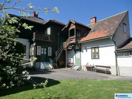 Sanierungsbedürftiges Ein/Zweifamilien-Haus in Küb mit großem Grundstück