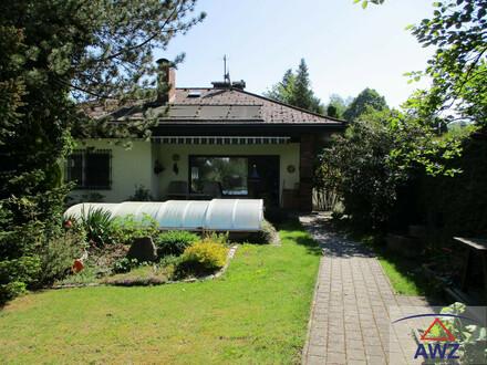 Gemütlicher älterer Bungalow mit Keller, traumhaften Garten in zentraler und ruhiger Lage!