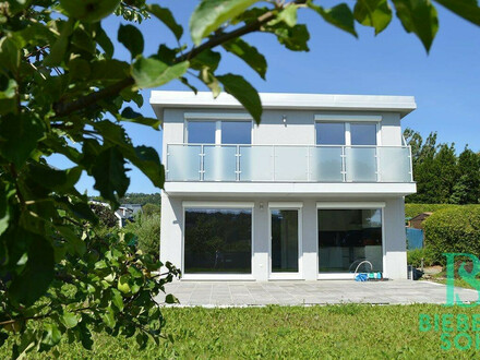 Ein Stück Ruhe und Glück - elegantes Haus - Herrlicher Ausblick