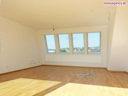 ERSTBEZUG - Sonnige DG Wohnung mit großer Terrasse - Klimaanlage - alles auf einer Ebene - Garagenstellplatz möglich