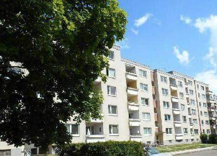 Geräumige, günstige 4-Zimmer-Wohnung mit Top Raumaufteilung und Parkplatz - Sonnige Aussicht - Provisionsfrei!