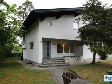 Große 3 Zimmer - Wohnung mit schönem Garten und perfekter Verkehrsanbindung
