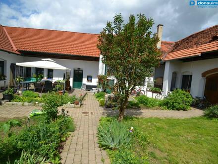 Liebevoll renovierter Vierkanthof mit viel Platz in der Thermenregion Loipersdorf