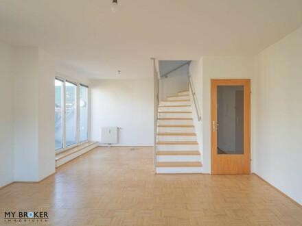 Schöne 3 Zimmer Dachgeschoss Maisonette in unmittelbarer nähe zum Krankenhaus Göttlicher Heiland